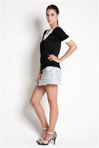 dote slate breastfeeding top side view in black with cream cuffs