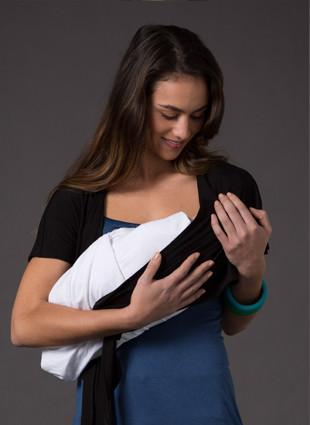 Laila & Spot Waterfall Bolero as a breastfeeding cover