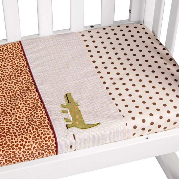 cradle sheet set in wild things theme close up