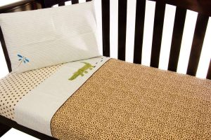 cot sheet set in wild things theme