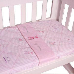cradle sheet set in ballerina princess theme up close