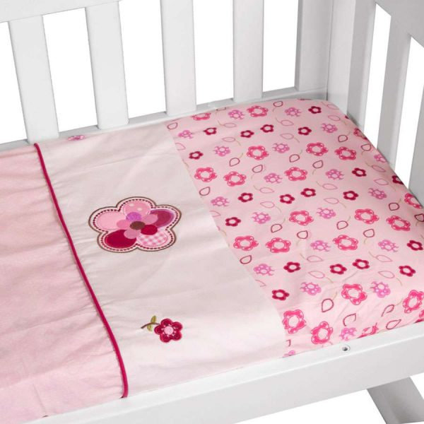cradle sheet set in raspberry garden theme up close
