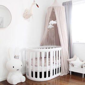 kaylula sova cot classic in white in bedroom